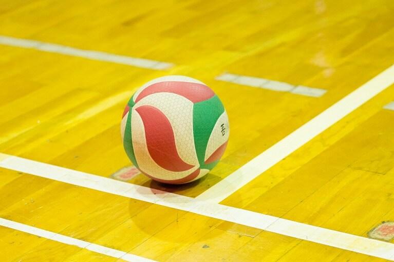 バレーボール(大きなジャンプ・着地を繰り返すスポーツ)